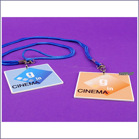 badge plexiglas g in cinema